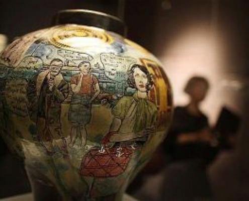 Een paar weken geleden ging ik naar een tentoonstelling in het British Museum, samengesteld door de kunstenaar Grayson Perry.